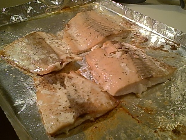 Baked Salmon Fillets with Garlic and Butter