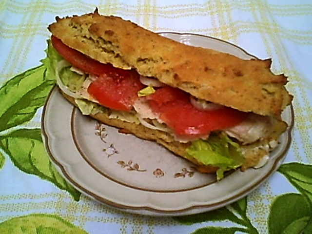 Chicken Breast Sandwich with Tomato and Mayo