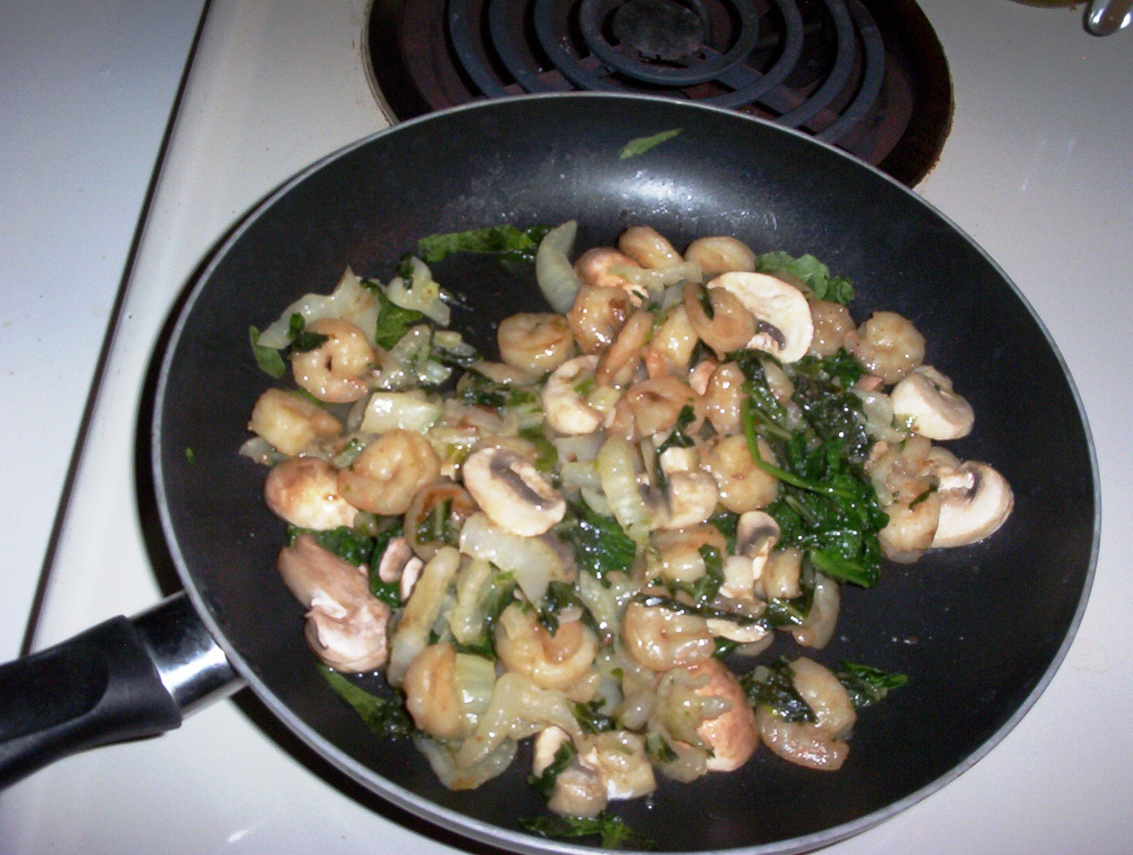 Shrimp Sauteed with Parsley and Garlic, Sugar Snaps, Carrots and Onions on the Side – Gluten-free