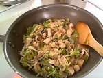 Gluten-Free Chicken Stir-Fry with Broccoli & Peppers