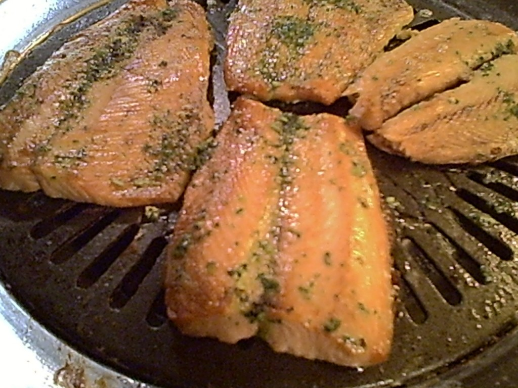 Gluten-Free Broiled Salmon with Parsley Sauce