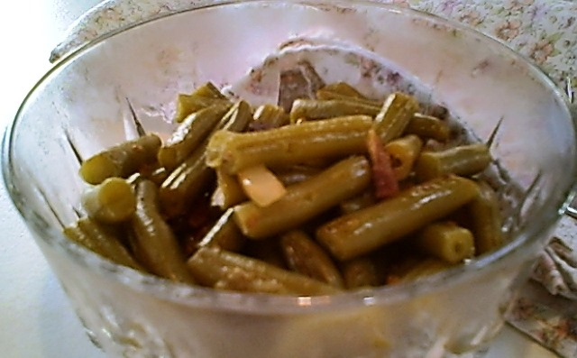 Green Beans with Bacon and Onion for a Gluten-Free Thanksgiving Dinner