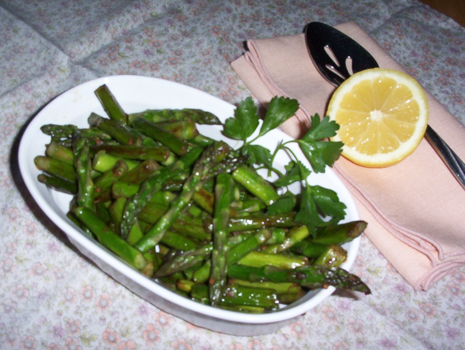 Gluten-Free Pan-Grilled Asparagus, Garlic and Parsley