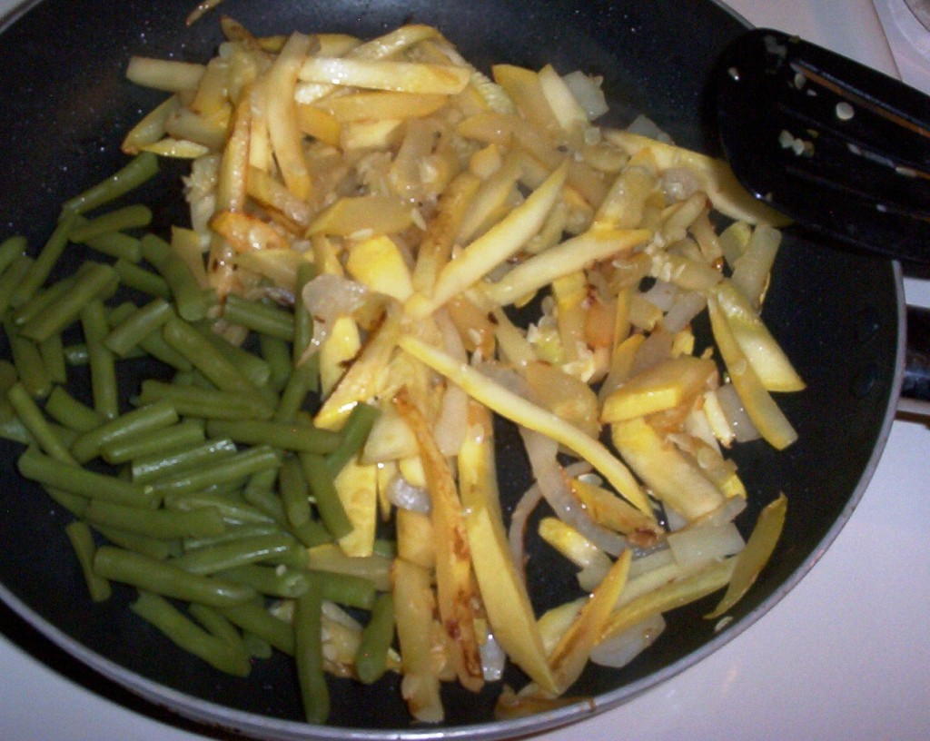 Gluten-Free Yellow Squash, Onion and Green Beans Cooking
