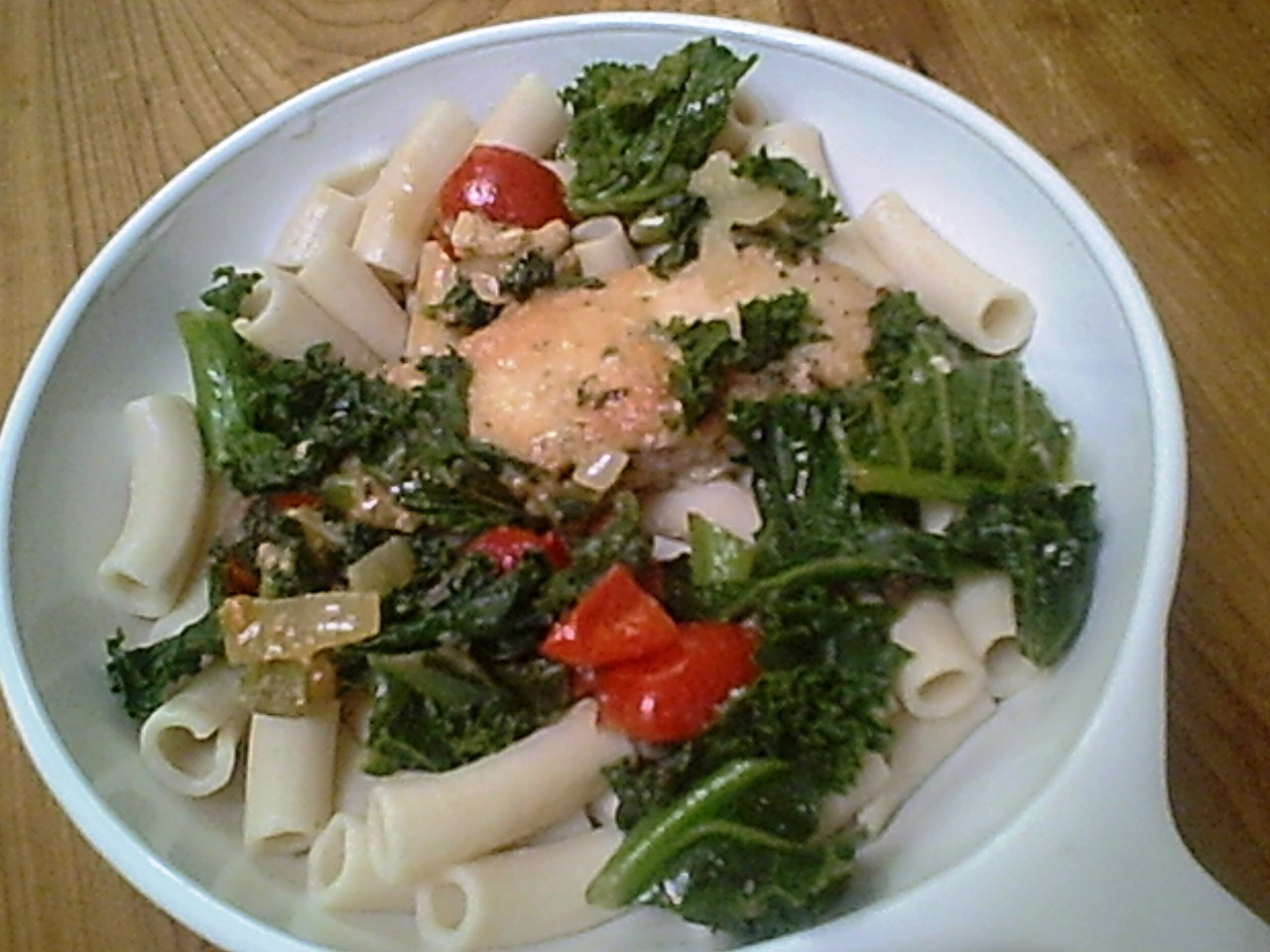 Chicken and Penne with Kale and Tomatoes for an Easy Chicken Dinner