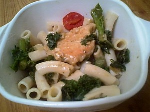 Gluten-Free Chicken and Penne with Kale and Tomatoes for an Easy Chicken Dinner