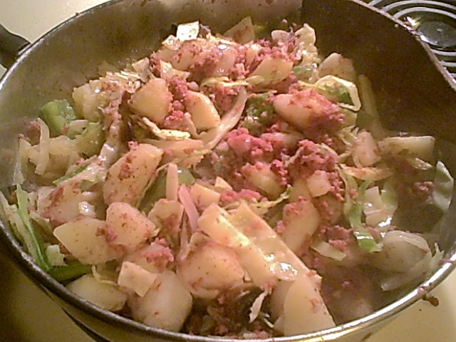 Gluten-Free Corned Beef Hash with Cabbage