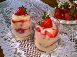 Strawberries with Gluten-Free Vanilla Pudding