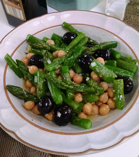 Easy Gluten-Free Asparagus Salad with Beans, Dairy-Free Version